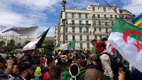 DIRECT. Algérie : des milliers de personnes descendent à nouveau dans les rues d'Alger, pour la première mobilisation depuis le départ de Bouteflika