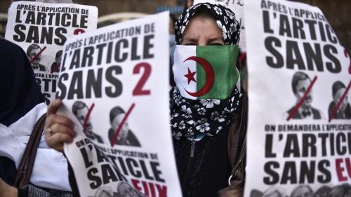 """DIRECT. Algérie : après la démission de Bouteflika, les Algériens à nouveau dans la rue pour chasser le """"système"""""""