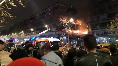 Un violent incendie dans un immeuble du 19e arrondissement de Paris, pas de victimes selon un bilan provisoire