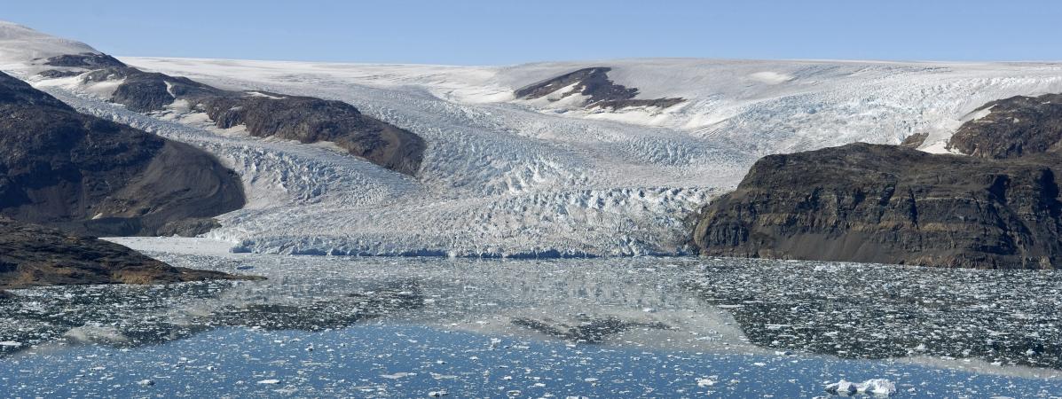 Réchauffement climatique : des touristes pour observer la fonte des glaces