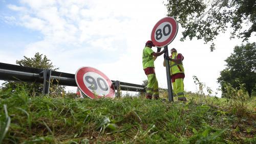 """Limitation de la vitesse à 80 km/h: """"Je voulais sauver des vies, on m'a accusé de vouloir remplir les caisses"""", déclare Edouard Philippe"""