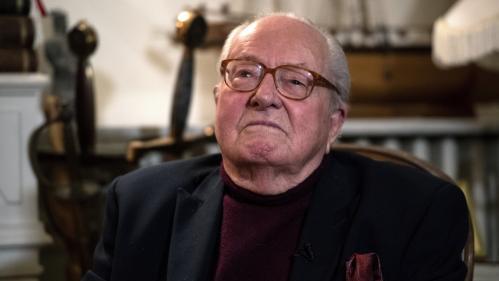 """Jean-Marie Le Pen jugé jeudi devant le tribunal de Nanterre pour """"détention illégale d'armes"""""""