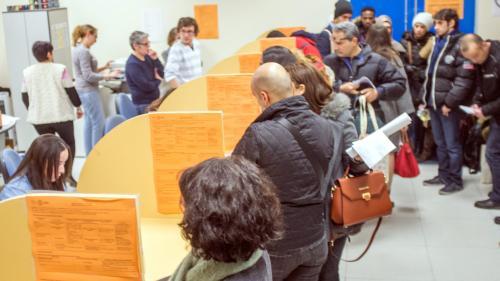 INFO FRANCEINFO. 2 000 étudiants réfugiés en France pourront bénéficier des bourses d'État à la rentrée