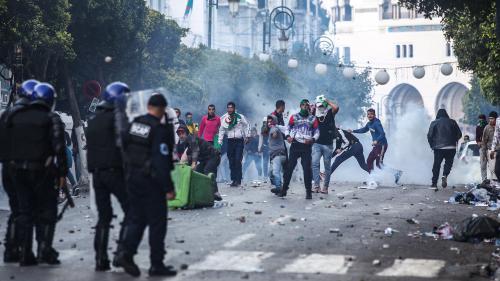 Algérie : heurts entre policiers et manifestants au cœur d'Alger