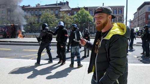 """DIRECT. """"Gilets jaunes"""": tensions à Toulouse entre les manifestants et les forces de l'ordre"""