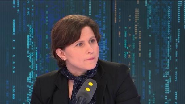 """Foot : la ministre des Sports condamne des insultes racistes """"intolérables"""" lors du match Dijon-Amiens"""
