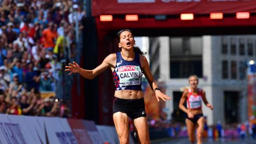 Athlétisme: à Paris, Clémence Calvin, ciblée par l'antidopage, bat le record de France du marathon