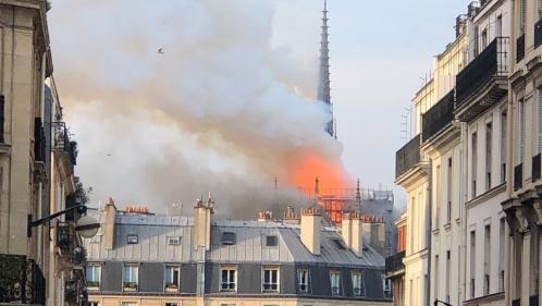 Paris : un incendie s'est déclaré à la cathédrale Notre-Dame