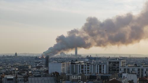 """""""Un symbole de la France"""" : Angela Merkel et Donald Trump s'émeuvent de l'incendie de Notre-Dame de Paris"""