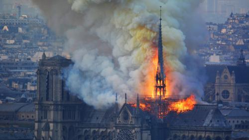 Pourquoi on ne peut pas éteindre l'incendie de Notre-Dame de Paris avec un Canadair