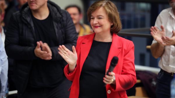 Européennes : Nathalie Loiseau critiquée pour avoir invité la presse à la suivre à la messe