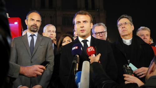 """Incendie de Notre-Dame: Emmanuel Macron reporte encore ses annonces et s'exprimera """"en temps voulu"""" sur le grand débat national"""