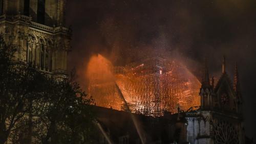 """Après l'incendie, """"le monde entier a envie de voir Notre-Dame de Paris revivre"""""""