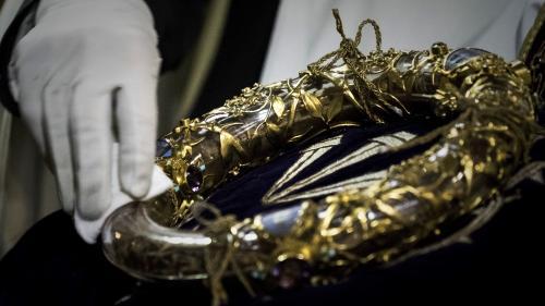 Couronne d'épines, rosaces, statues... Quels joyaux se trouvaient dans la cathédrale avant l'incendie de Notre-Dame de Paris ?