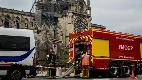 """DIRECT. """"Si on n'avait pas été aussi rapides, les deux tours seraient tombées"""", expliquent les pompiers de Paris, deux jours après l'incendie de Notre-Dame"""