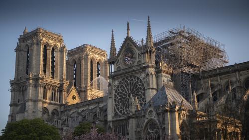 """Notre-Dame de Paris: l'entreprise chargée de l'échafaudage """"exclut toute responsabilité"""" dans l'incendie"""