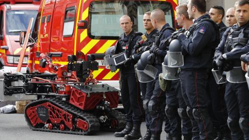 """Incendie à Notre-Dame : utilisé par les pompiers pour éteindre l'incendie, le robot Colossus vise à """"éloigner l'homme du risque"""""""