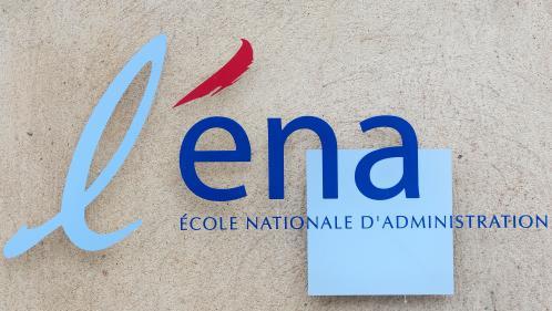 """""""L'ENA, une école qui coûte cher et où on n'apprend pas grand-chose"""": en 2004, la promotion de Macron déjà très critique"""