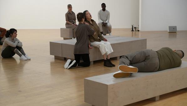 Récital pour un masseur : une performance tactile et sonore au musée d'art contemporain de Lyon