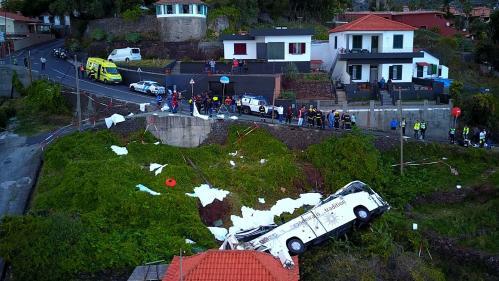 Portugal : 29 morts dans un accident de car à Madère
