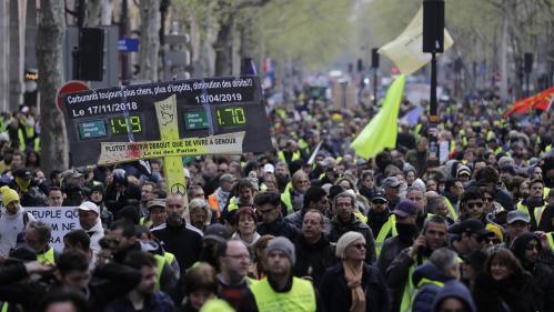 """""""Gilets jaunes"""" : à Paris, les manifestations interdites samedi autour de Notre-Dame"""