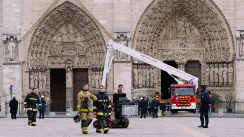 """Le recteur de Notre-Dame veut construire une cathédrale """"éphémère"""" en bois sur le parvis"""