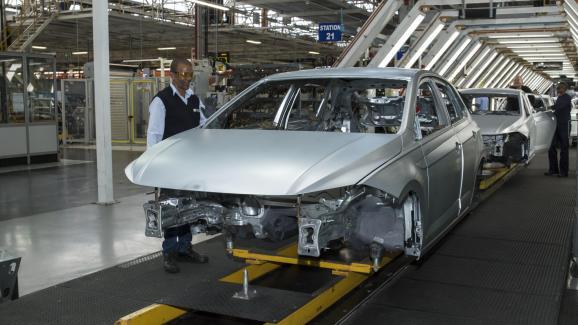 Ligne d\'assemblage dans l\'usine de Volkswagen à Uitenhage (sud de l\'Afrique du Sud). Photo prise le 10 mai 2018.