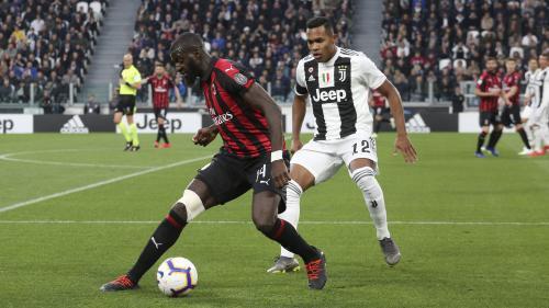 Italie : le footballeur français Tiémoué Bakayoko cible d'un chant raciste en plein match