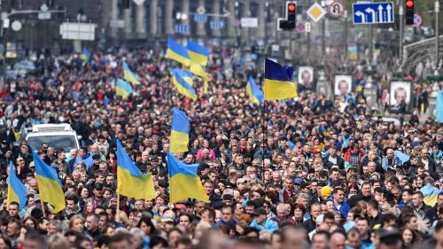 Ukraine : dépistage de drogue en direct, parodie... La campagne mouvementée de l'élection présidentielle