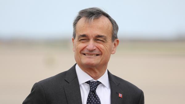 """""""Un vieux roi un peu capricieux"""" : l'ambassadeur de France à Washington compare Donald Trump à Louis XIV"""
