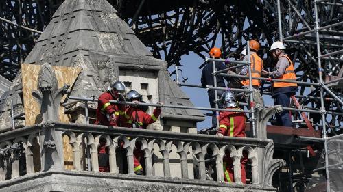 """DIRECT. Tous les tableaux de Notre-Dame de Paris seront """"sécurisés dans la journée"""", annonce le ministre de la Culture"""