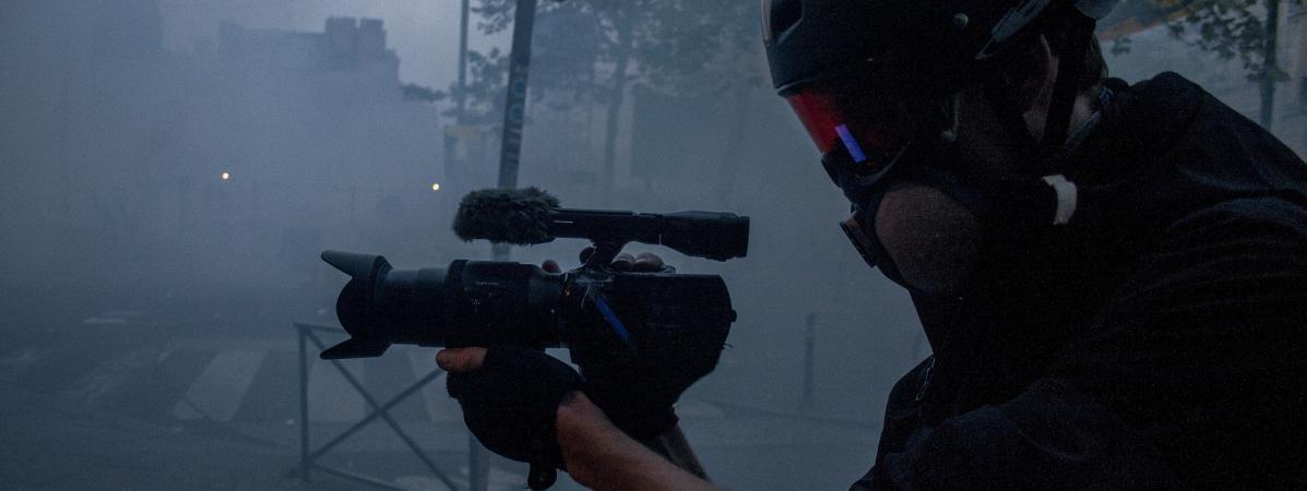 """VIDEO. """"Gilets jaunes"""" : un journaliste indépendant interpellé dans la manifestation parisienne"""