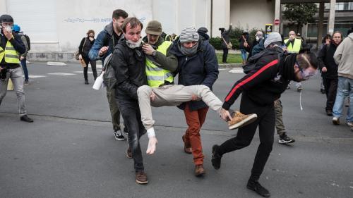 """""""On nous demande de faire de la délation"""" : des médecins dénoncent le fichage des """"gilets jaunes"""" blessés"""