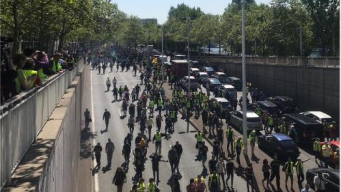 """DIRECT. Métro perturbé, 70 personnes interpellées... Les rassemblements de """"gilets jaunes"""" débutent à Paris"""