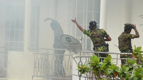 VIDEO. Sri Lanka : des scènes de chaos après la série d'explosions