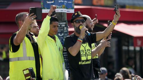 """""""Gilets jaunes"""" : deux leaders du mouvement condamnent """"avec vigueur les propos invitant les policiers à se suicider"""""""
