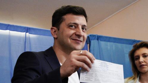 Ukraine : le comédien Volodymyr Zelensky élu président avec 73% des voix, selon un sondage sortie des urnes