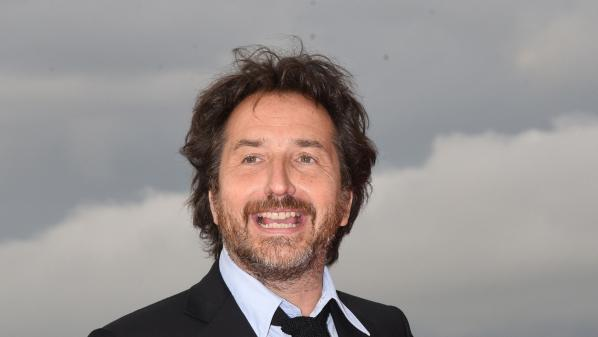 """Edouard Baer chez Delahousse : """"Les choses sont assez graves, il ne faut pas qu'elles soient trop sérieuses"""""""
