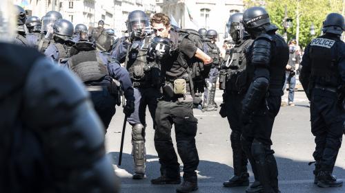 """""""Gilets jaunes"""" : le journaliste indépendant Gaspard Glanz, arrêté samedi à Paris, est-il fichéS?"""