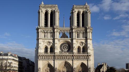 """""""Notre-Dame est le témoin de nos premiers baisers"""" : vous nous avez raconté votre relation particulière avec la cathédrale"""