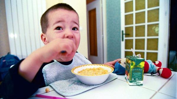 """Petit déjeuner gratuit à l'école: """"Il faut rendre"""" cette mesure """"obligatoire"""""""
