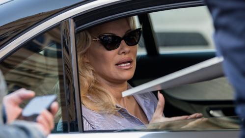 Plus d'argent pour Notre-Dame que pour les enfants de Marseille : Pamela Anderson en colère contre la fondation OM