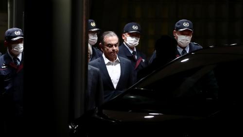 Carlos Ghosn est sorti de prison après que le tribunal de Tokyo a approuvé sa demande de libération sous caution