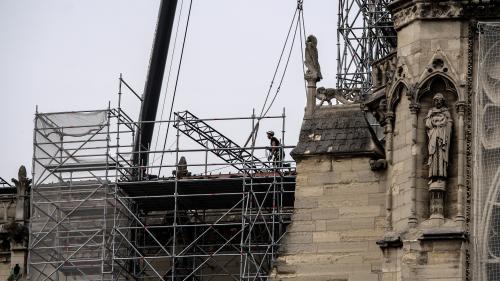 Incendie à Notre-Dame: la police scientifique commence ses prélèvements, le fonctionnement de l'alarme en question