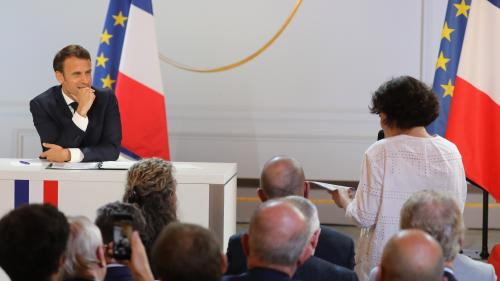 """VIDEO. Emmanuel Macron """"ne regrette pas d'avoir embauché"""" Alexandre Benalla, mais déplore """"des fautes très graves"""""""