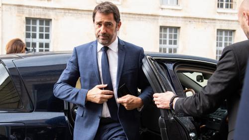 """Pour Christophe Castaner, Emmanuel Macron s'est adressé aux Français, """"pas aux 30 000 manifestants"""" rassemblés tous les samedis"""