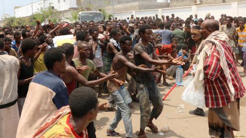 Des milliers de migrants africains coincés par la guerre au Yémen