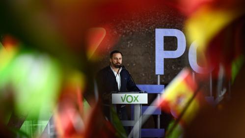"""""""Avant, quand tu sortais le drapeau espagnol, on te traitait de facho"""" : en Espagne, Vox attise le sentiment nationaliste"""