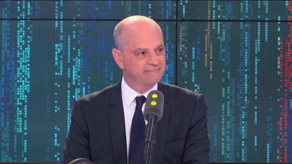 """VIDEO. Aucune école primaire ne sera fermée """"sans un avis favorable du maire"""", confirme Jean-Michel Blanquer"""