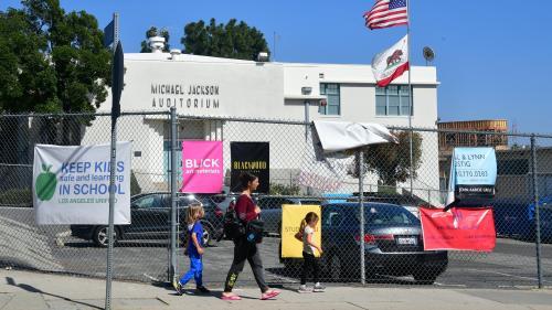 L'ancienne école de Michael Jackson songe à débaptiser un auditorium à son nom